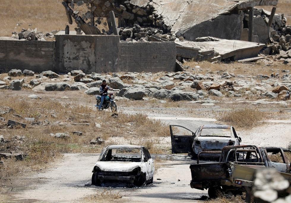 سيارات محترقة في القنيطرة بسوريا -أرشيف-