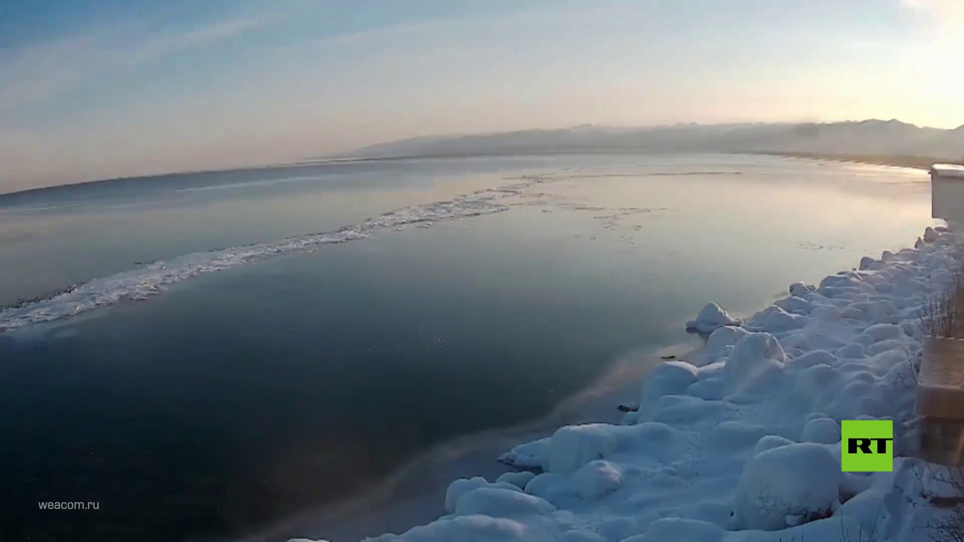 بالتايم لابس.. شاهد كيف تتجمد بحيرة البايكال