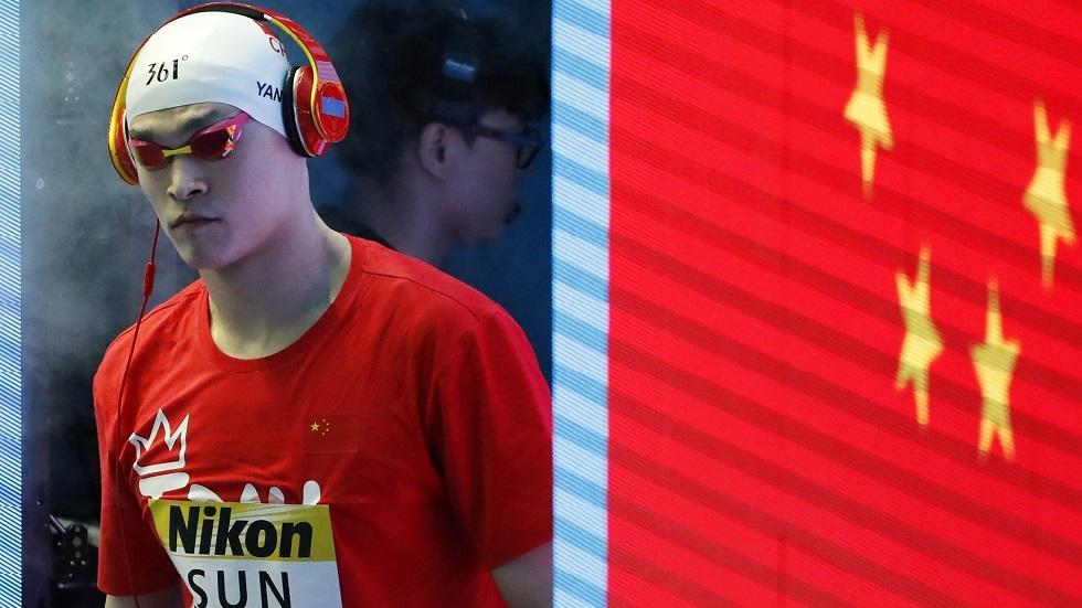 إيقاف بطل أولمبي صيني في السباحة لمدة 8 أعوام
