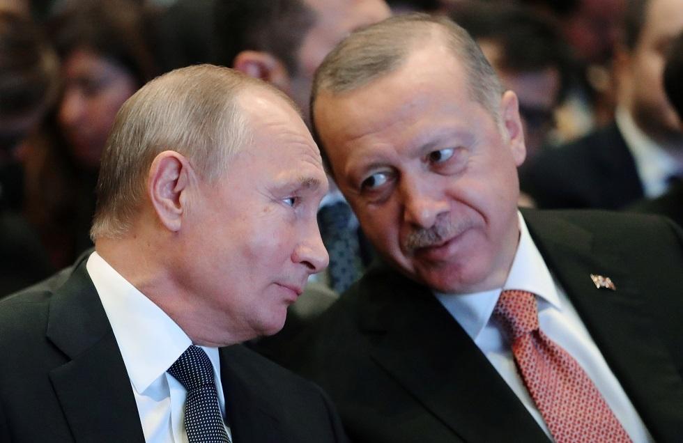 أردوغان يقول إنه طلب من بوتين أن تتنحى روسيا جانبا وتترك لتركيا التعامل مع