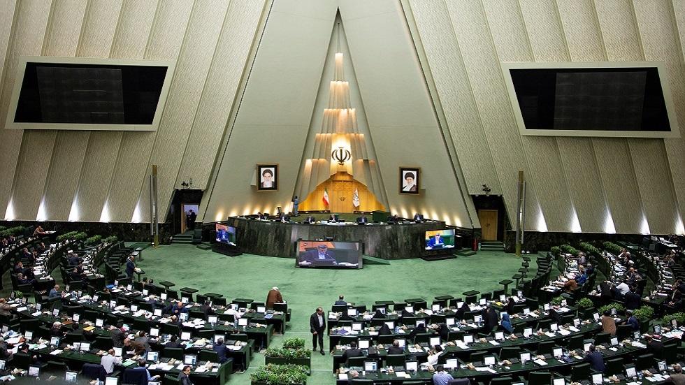مراسلنا: النائب في البرلمان الإيراني محمد رمضاني توفى لكن ليس بكورونا