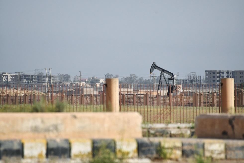 دمشق: الأمريكان يبيعون النفط السوري عبر تركيا