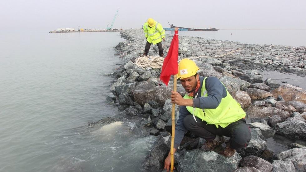 كاسر الأمواج الغربي في ميناء الفاو العراقي