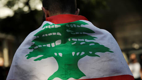 هبوط سندات لبنان والحكومة تطلب المشورة المالية من 7 شركات