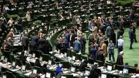 كورونا.. البرلمان الإيراني يعلق اجتماعاته حتى إشعار آخر
