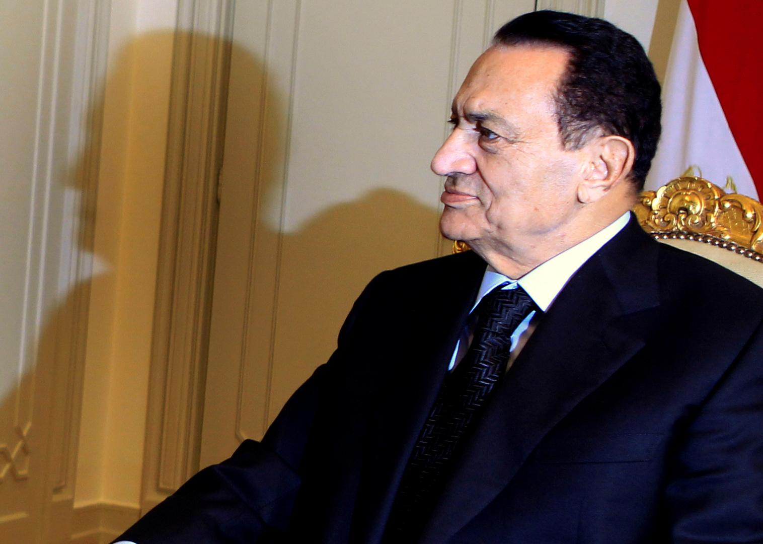 محامي أسرة مبارك يتحدث عن مصير أموال الرئيس الراحل