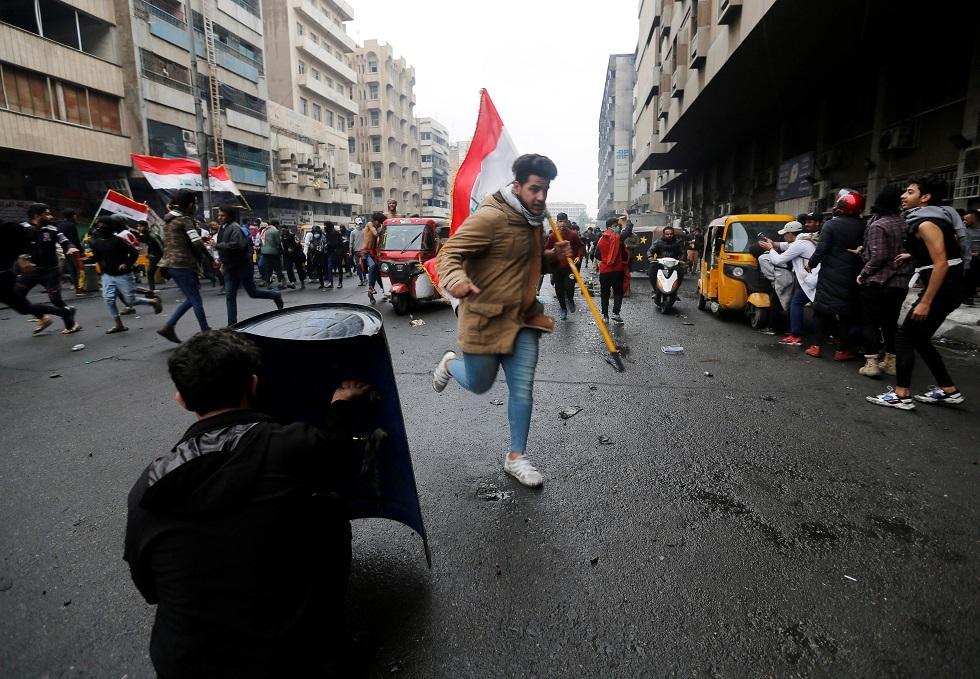 العراق.. مقتل متظاهر وإصابة 83 آخرين