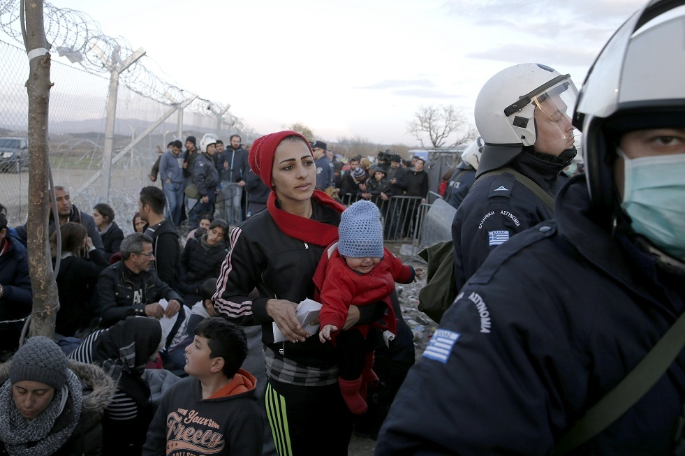 شرطة مقدونيا الشمالية تضبط شاحنة تحمل 78 مهاجرا