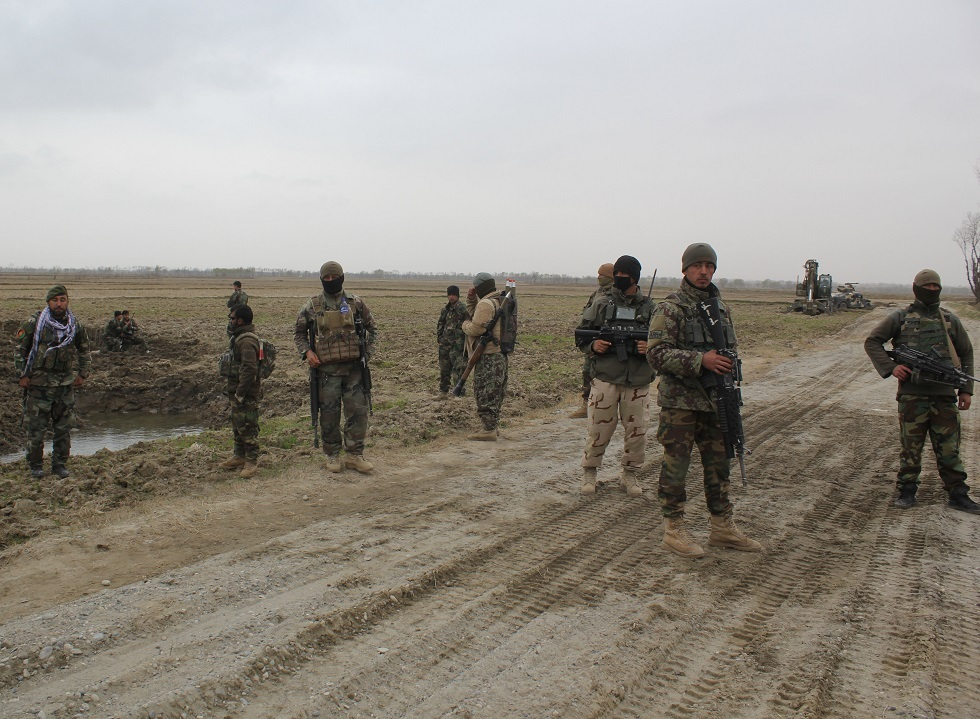 عناصر من القوات الأفغانية في قندوز