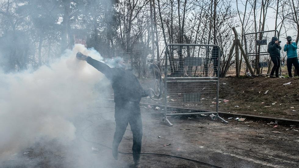 Grækenland: Tyrkisk politi skubber migranter mod grænsen med tåregas
