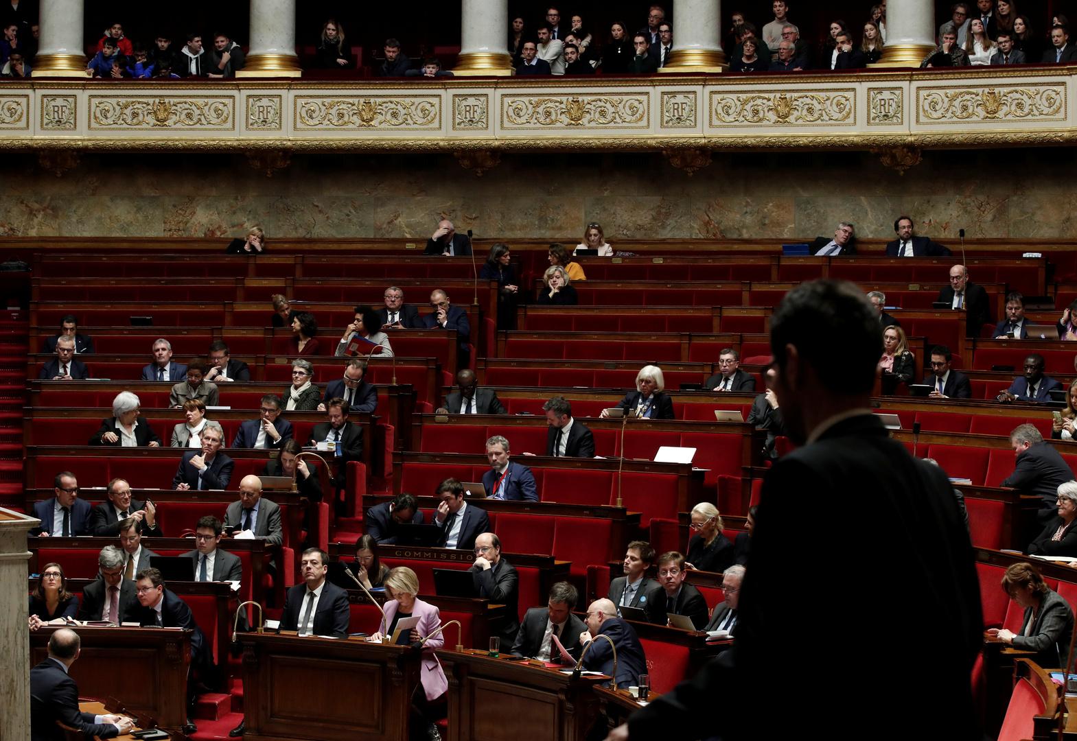 إصابة نائب وموظف في البرلمان الفرنسي بفيروس كورونا