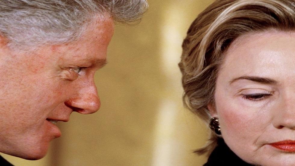 بيل كلينتون عن لوينسكي: فعلت ذلك تحت تأثير ضغط العمل