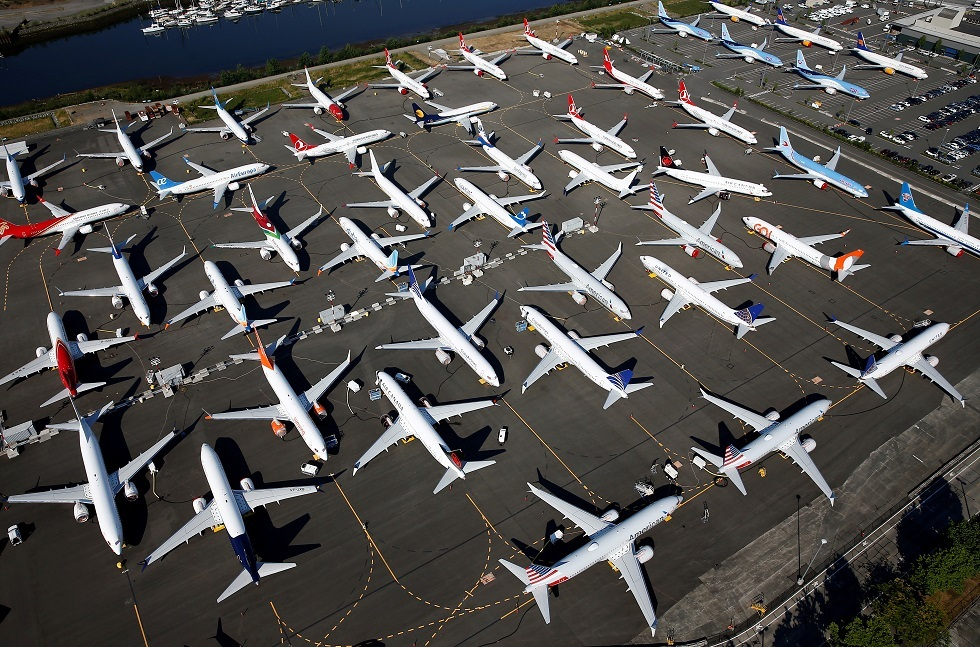 عشرات الطائرات من طراز