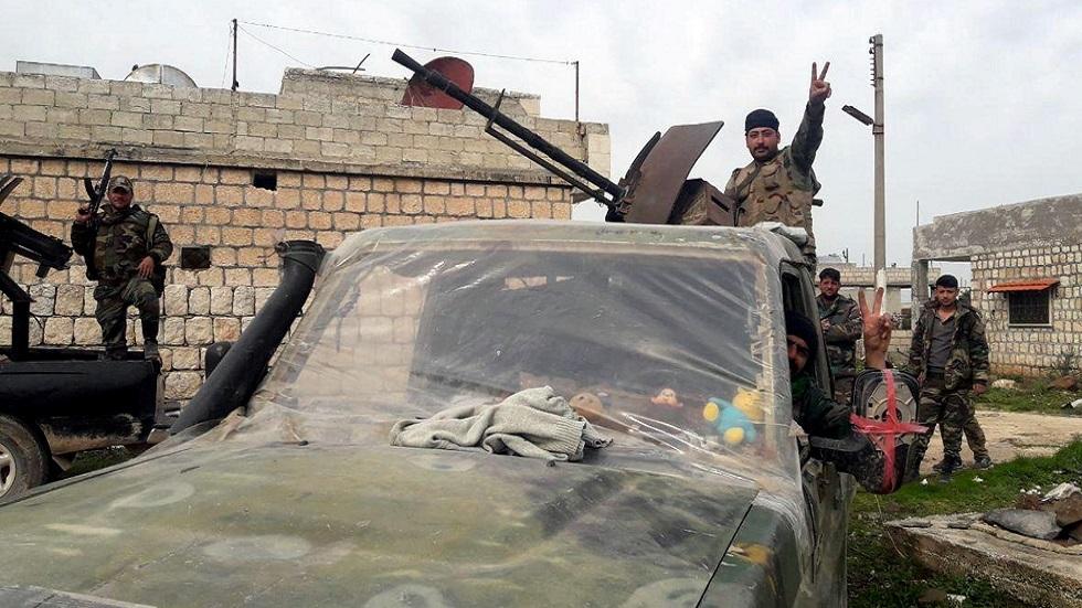مقاتلون تابعون للجيش السوري في إدلب
