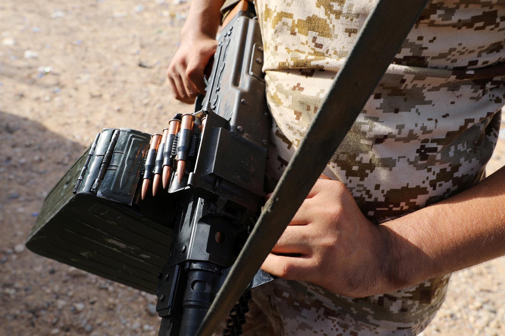 تقارير تؤكد مقتل 117 مسلحا من سوريا بمعارك ليبيا