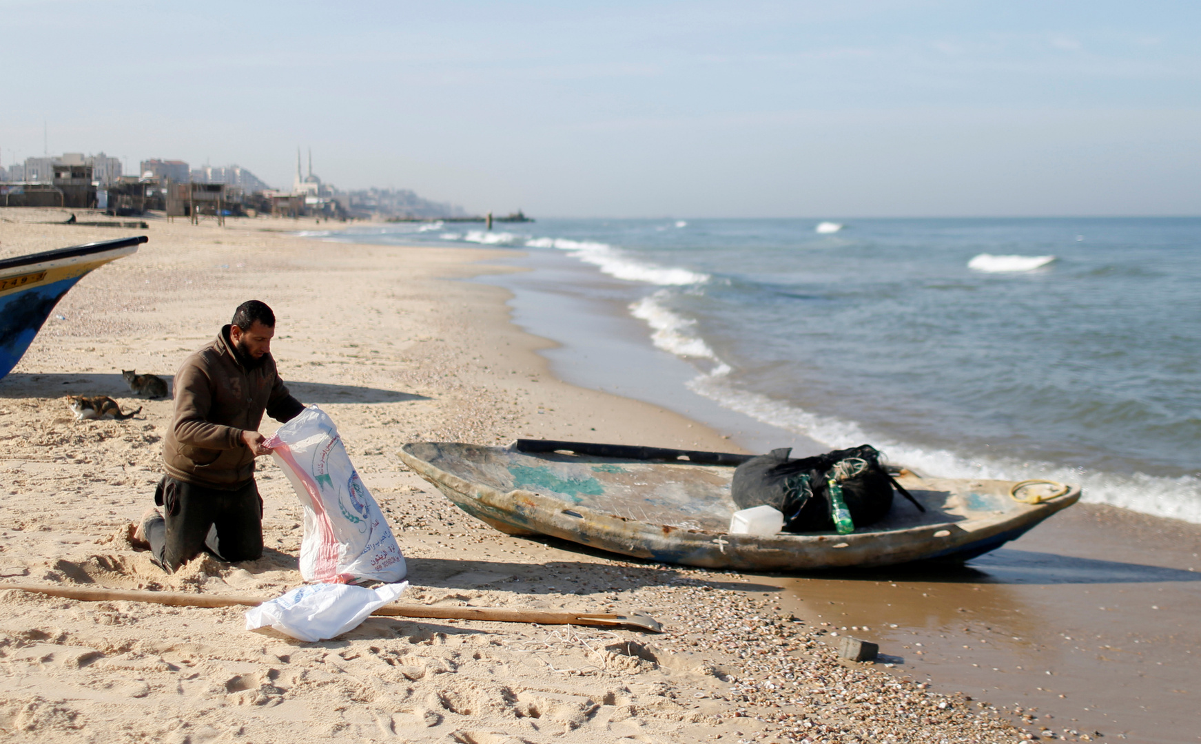 شاطئ في غزة