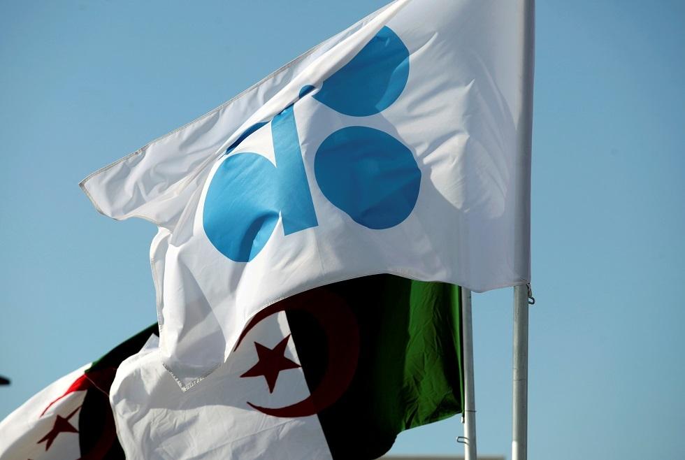 الجزائر تشدد على ضرورة الوصول إلى قرار سريع لتحقيق التوازن في سوق النفط