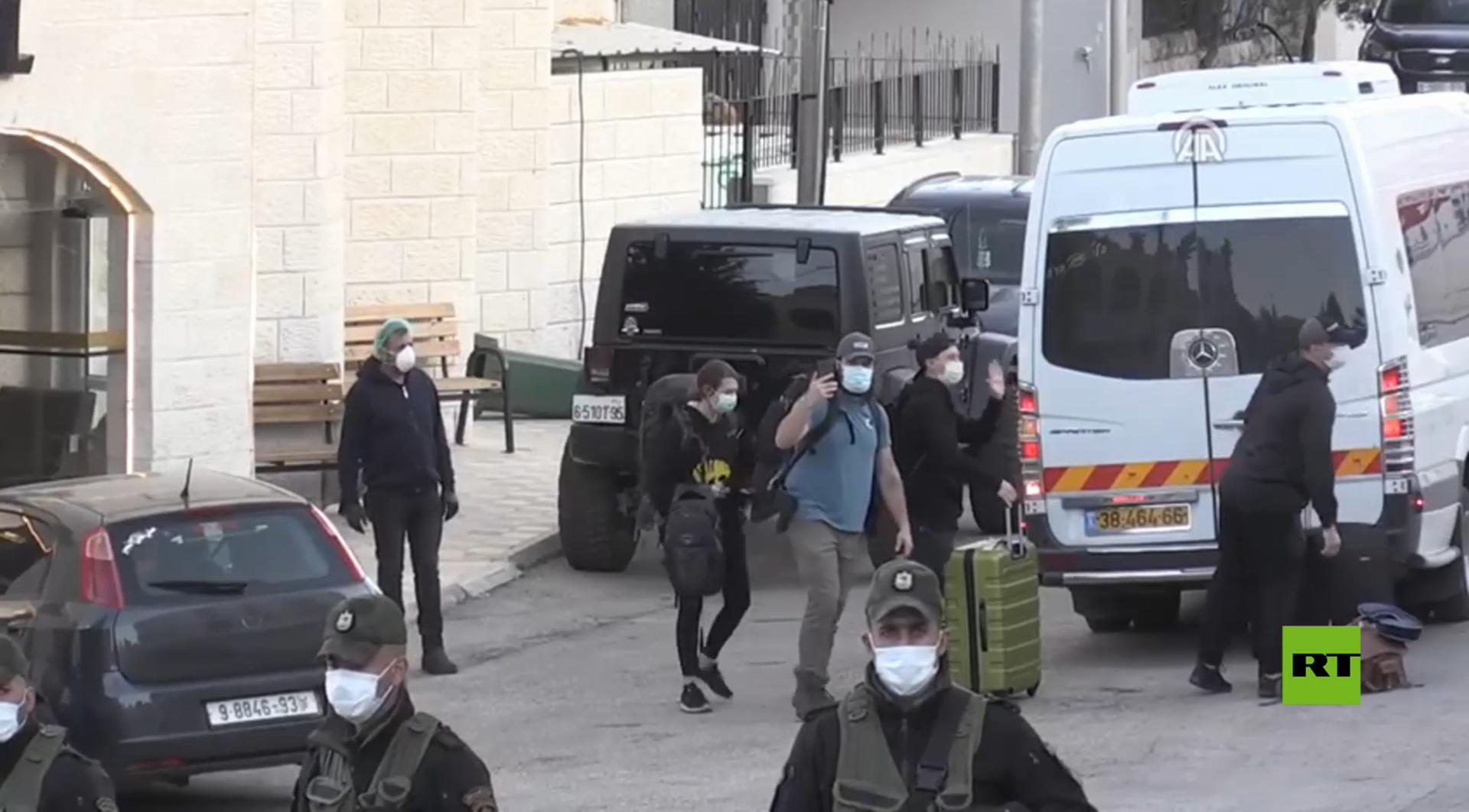كورونا.. الوفد الأمريكي يغادر بيت لحم متوجها إلى الولايات المتحدة عبر إسرائيل