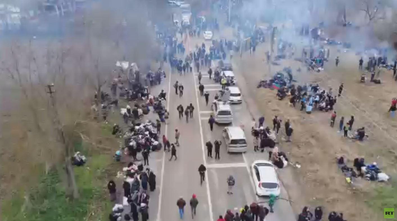 تواصل أزمة اللاجئين بين أنقرة و الأوروبيين