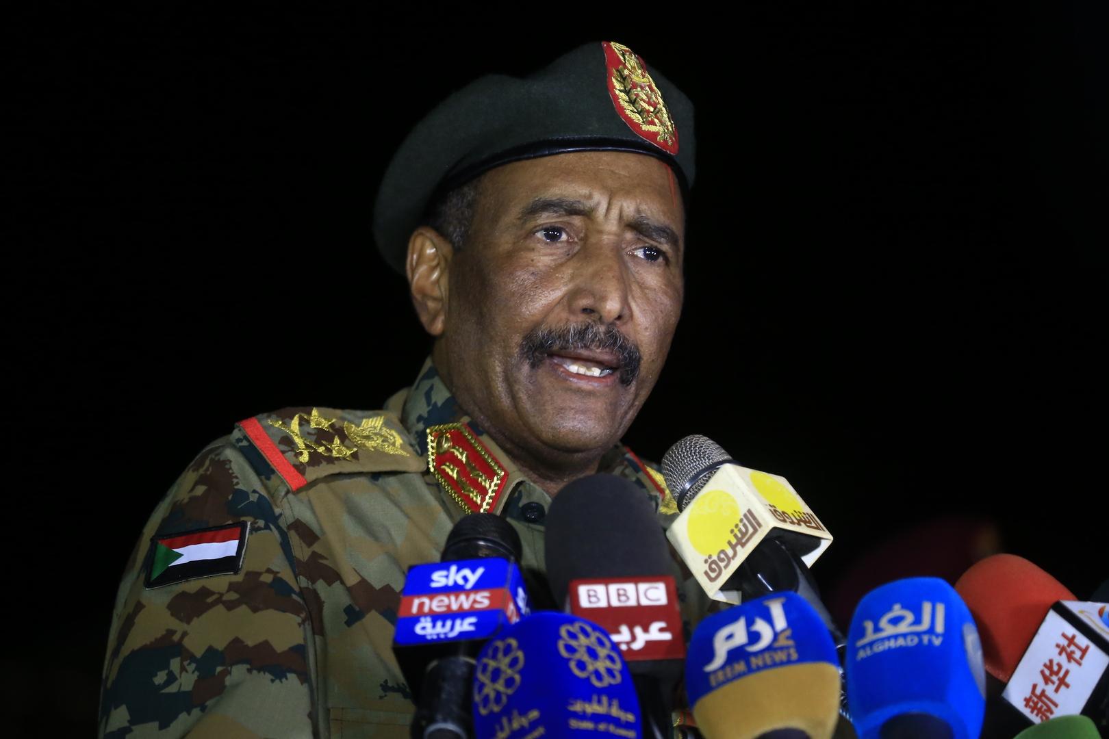 رئيس جهاز المخابرات العامة المصري ينقل رسالة من السيسي إلى البرهان