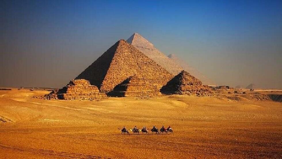 العثور على صندوق حجري في مصر ربما يحوي ضريحا ملكيا ضائعا