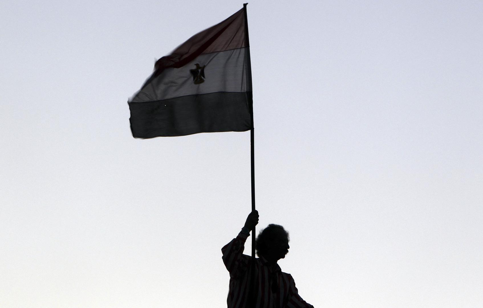 الأمن المصري يلقي القبض على 3 أشخاص بسبب فيروس كورونا