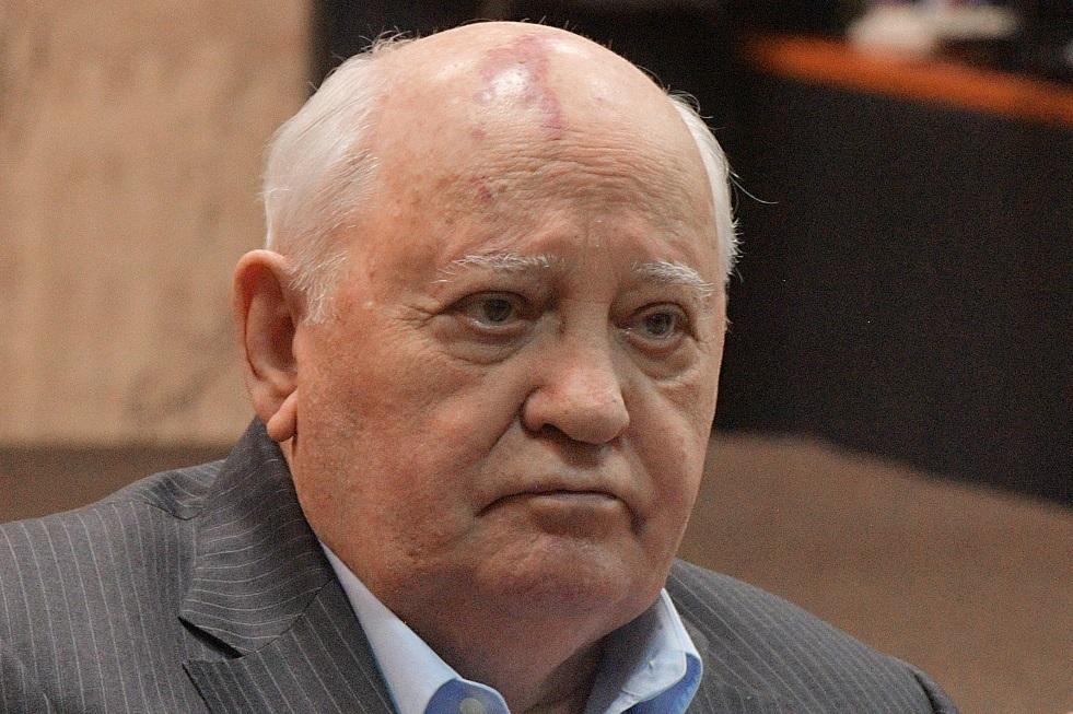 غورباتشوف يناشد قادة العالم التكاتف في وجه كورونا