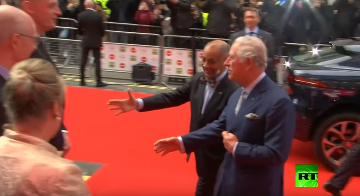 الأمير تشارلز يتعرض لموقف محرج بسبب كورونا
