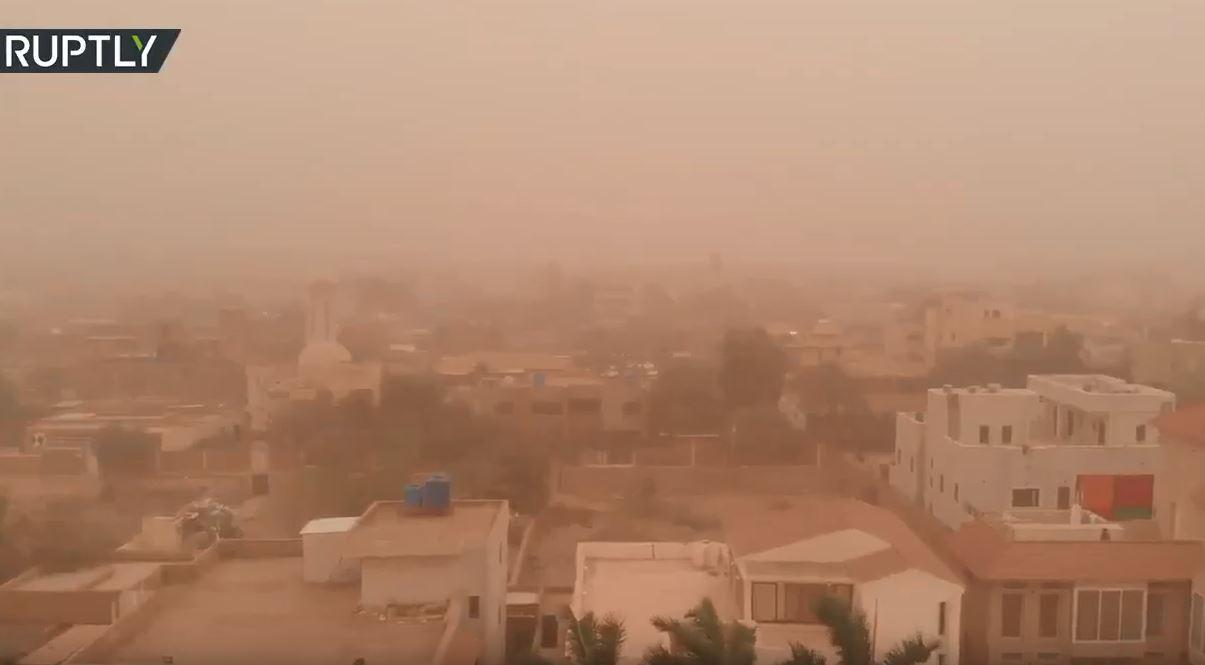 لقطات جوية لعاصفة رملية تضرب الخرطوم