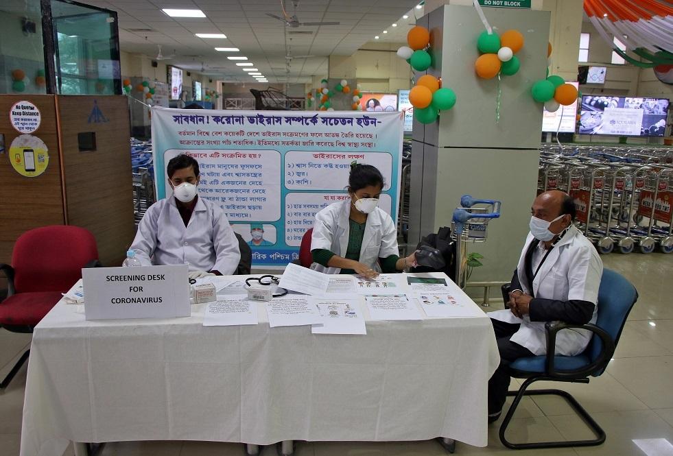 ارتفاع حصيلة إصابات كورونا في الهند إلى 107