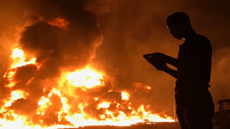 انفجار في انبوب النفط في نيجيريا - أرشيف
