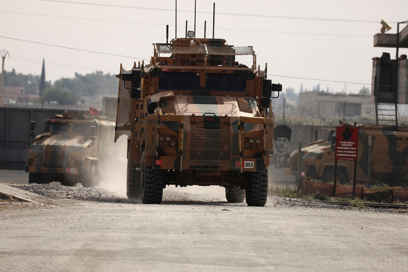 وحدات عسكرية تركية تعود من تل أبيض السورية إلى داخل تركيا