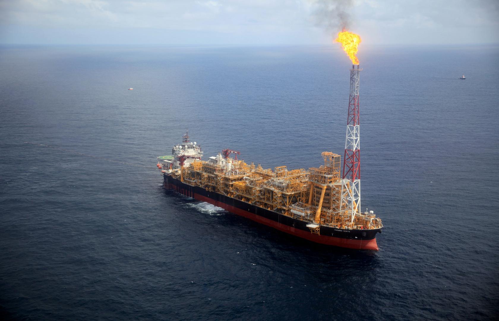 الحرب النفطية تتهدد المسؤولين السعوديين