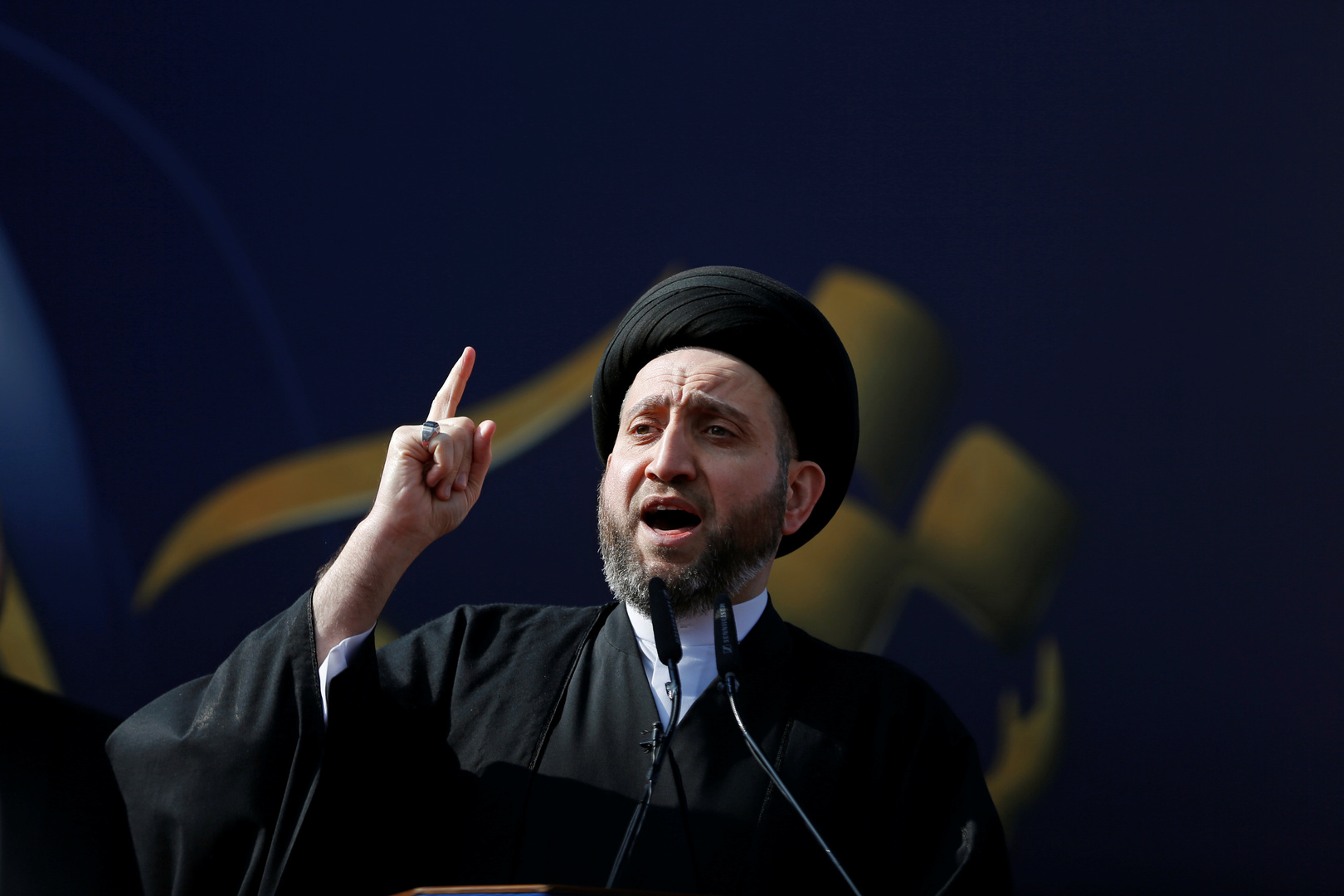 مصدر لـRT: القوى الشيعية ستجتمع بالحكيم لسحب دعمه عن الزرفي وتكليف السهيل بدلا عنه