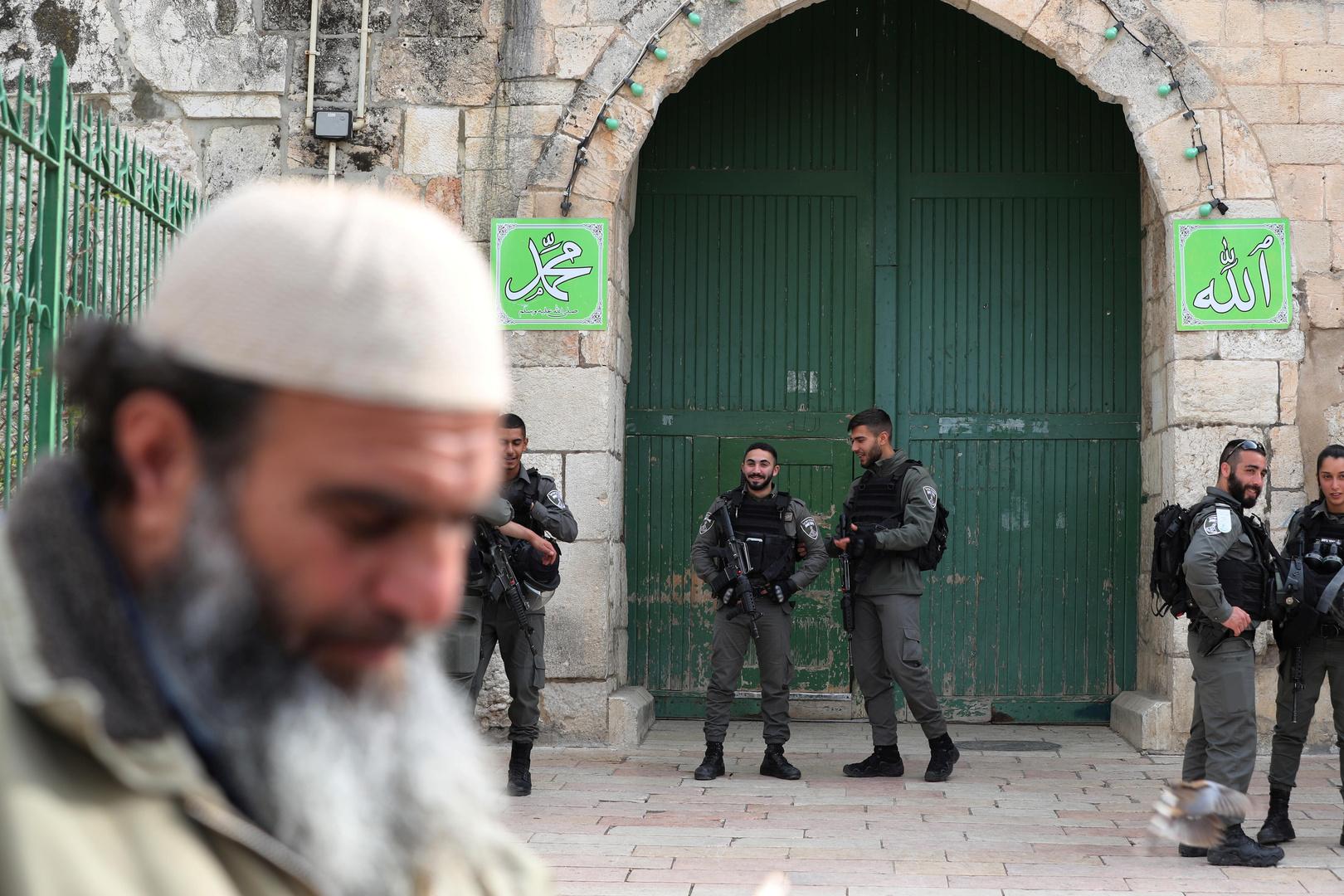 الأقصى بين القبضة الإسرائيلية وكورونا وكلاهما مر بالنسبة للمواطنين