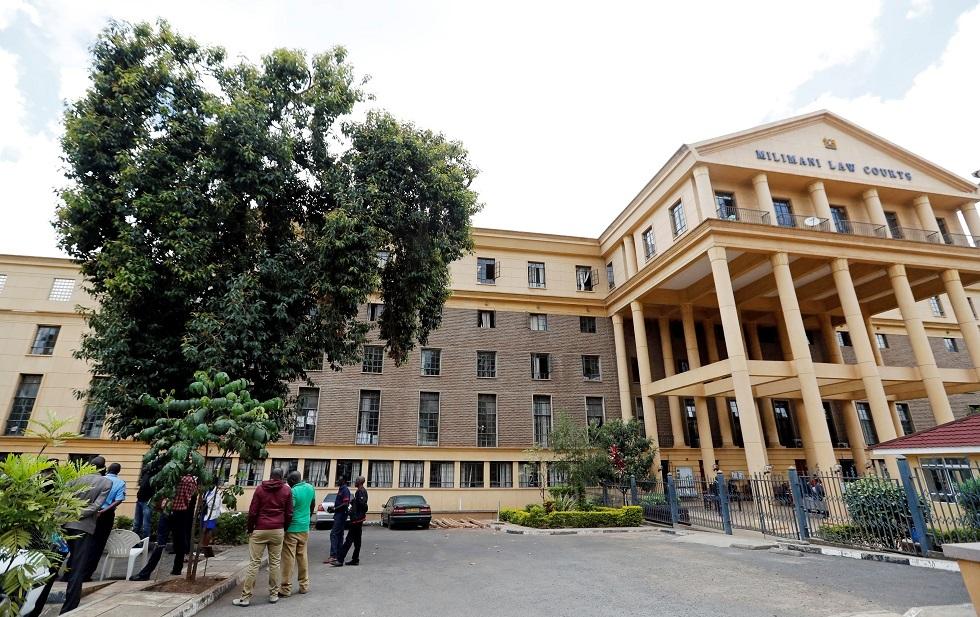 المحكمة العليا في كينيا تعقد جلسات استماع في الهواء الطلق للحد من انتشار كورونا