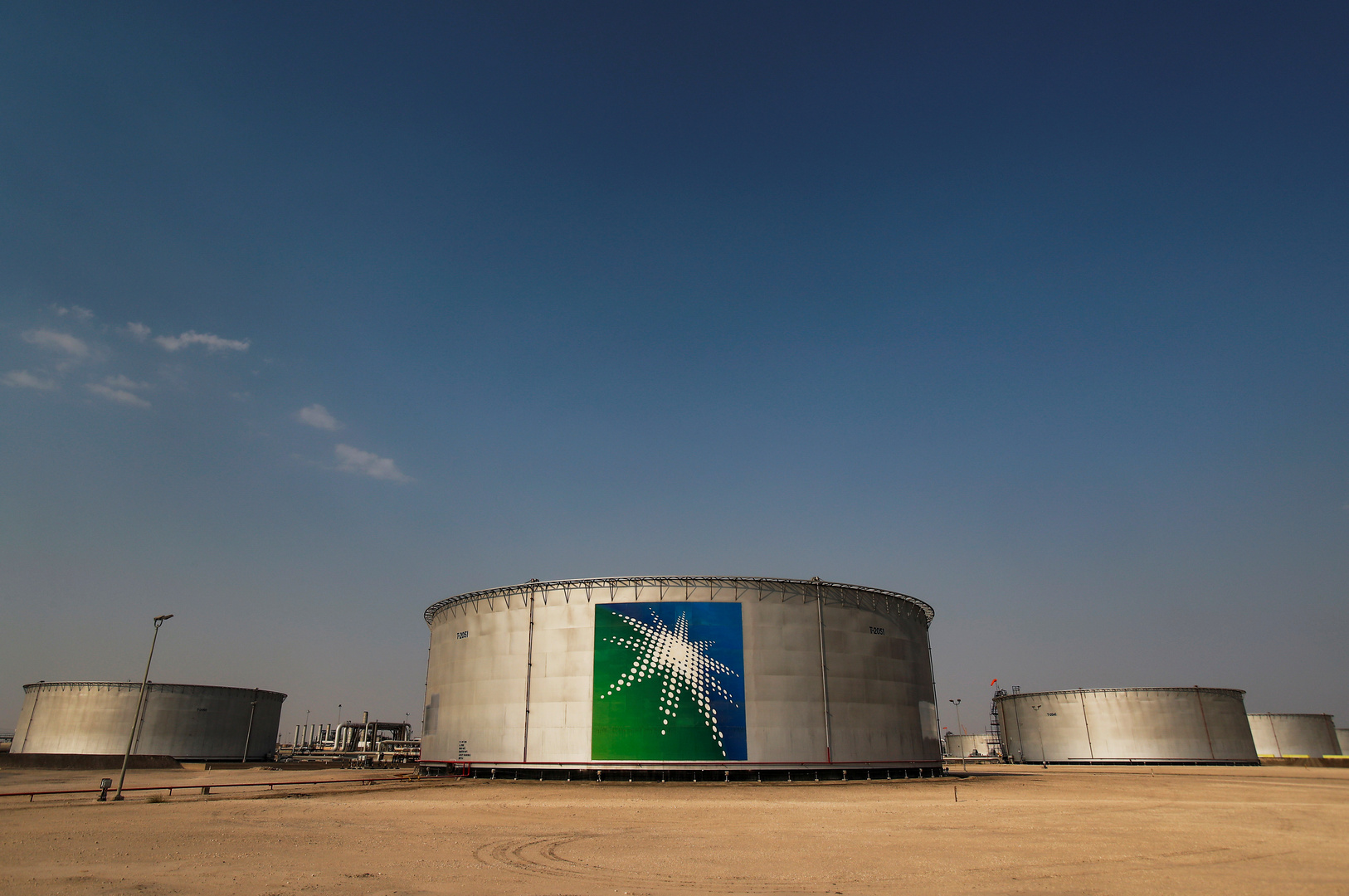 صحيفة: دعوات في وزارة الطاقة الأمريكية لعقد تحالف مع الرياض قد يقود لخروج المملكة من