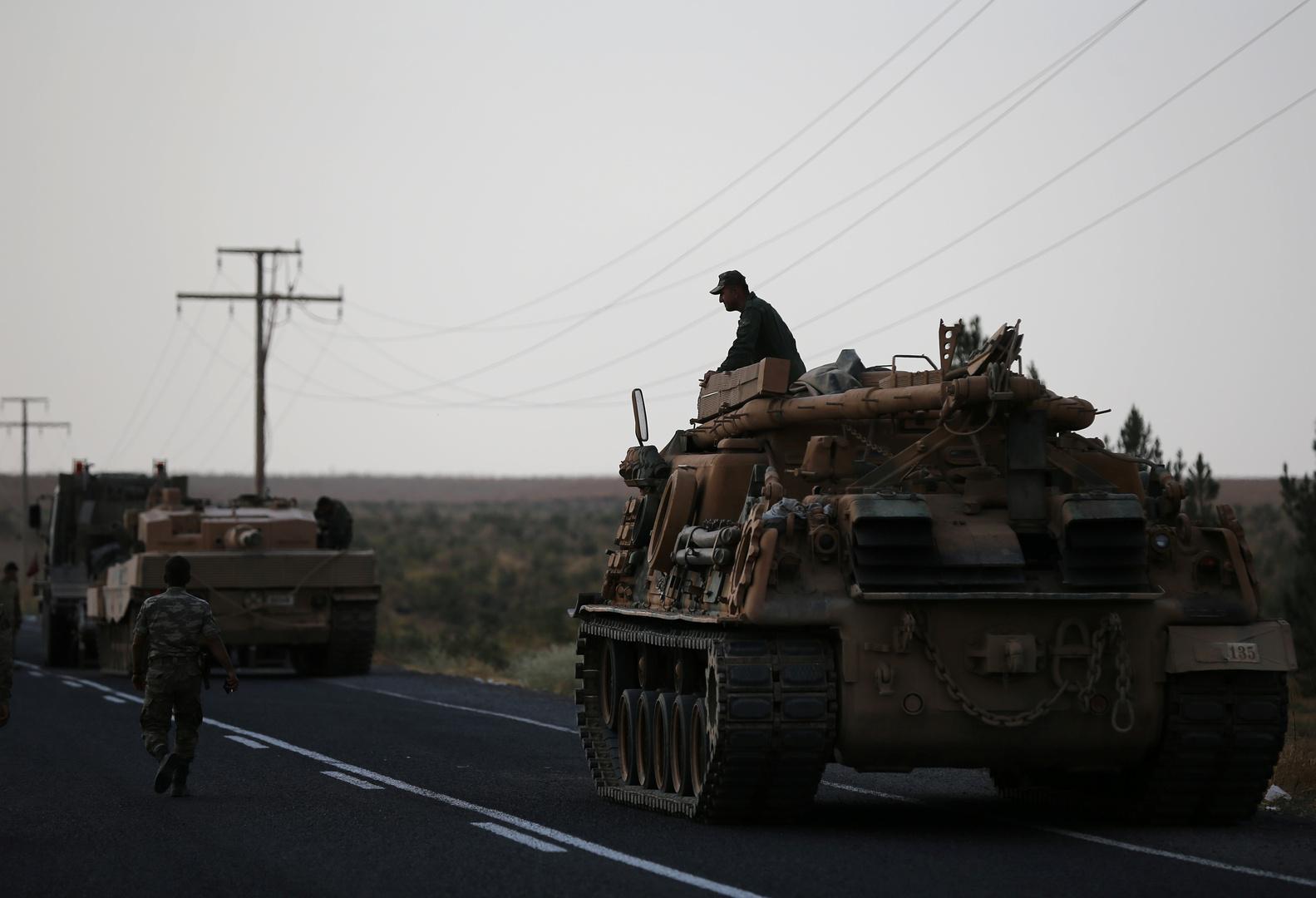 الجيش التركي يواصل تعزيز مواقعه شمالي سوريا بعد مقتل جنديين بهجوم شنته مجموعات متطرفة