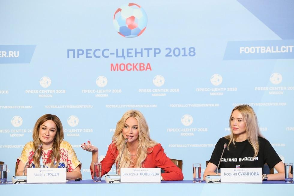 الروسية فيكتوريا لوبيريفا سفيرة مونديال 2018 تنتهك الحجر الصحي في الإمارات (صور)