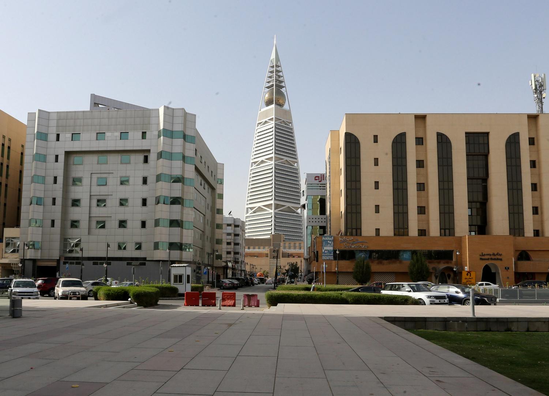 القطاعات المستثنية من حظر التجول في السعودية