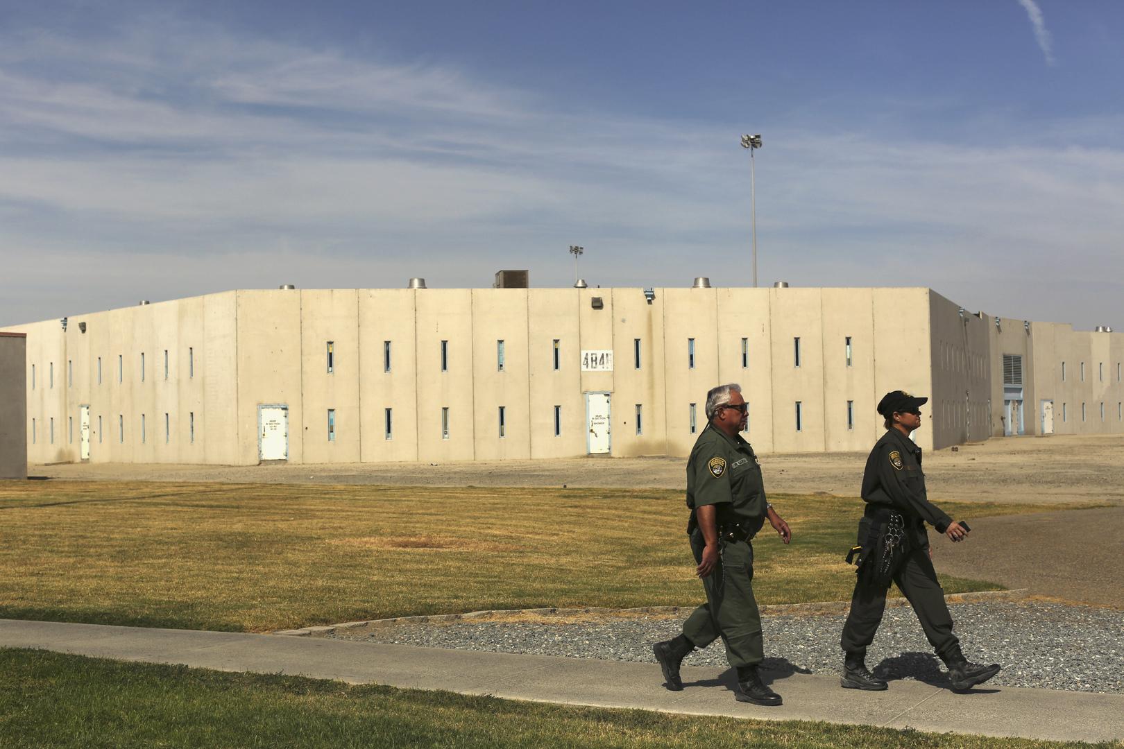 إطلاق سراح آلاف المساجين في الولايات المتحدة لمنع تفشي وباء