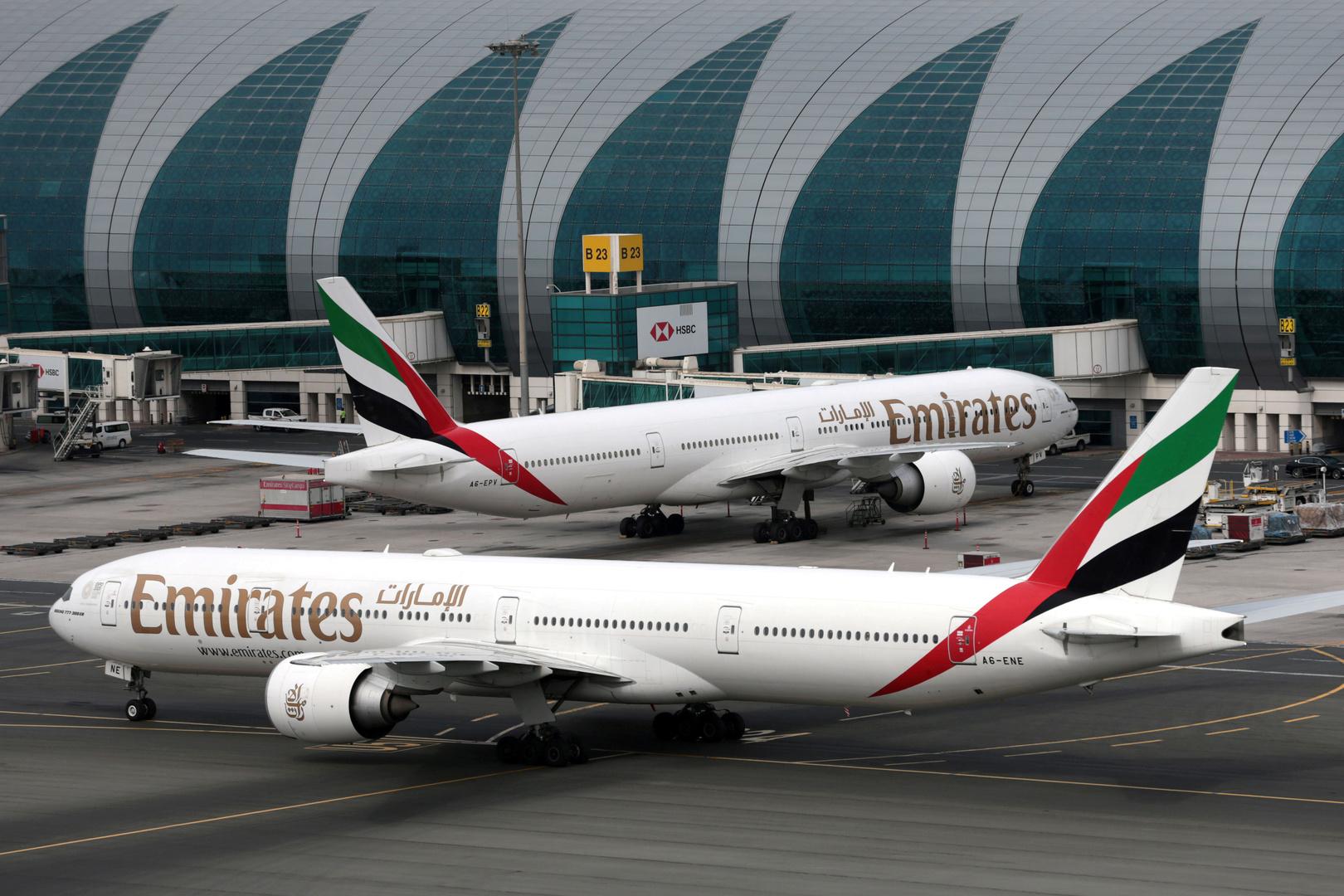 الإمارات تستعجل وتغلق بواباتها الجوية مساء أمس قبل الموعد المعلن بيوم