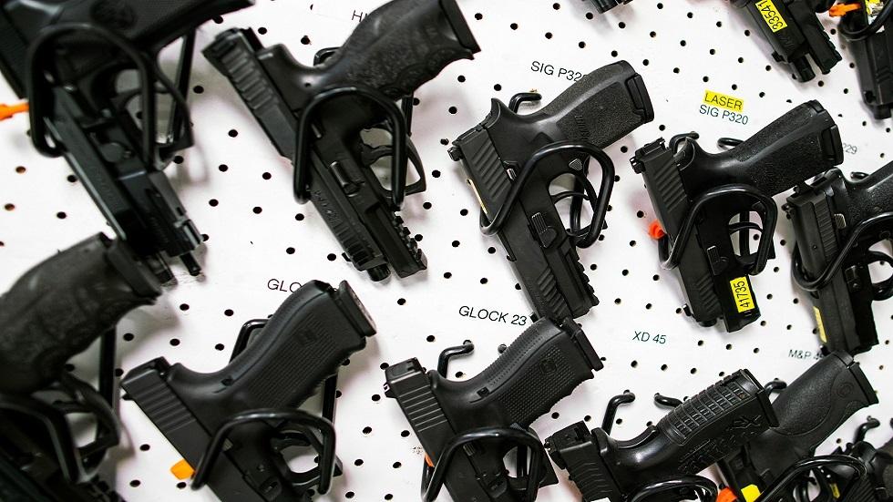 متجر أسلحة في الولايات المتحدة