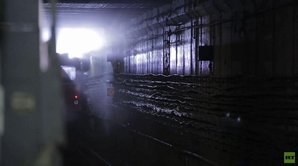 شاهد.. تطهير مترو الأنفاق في موسكو لمنع انتشار كورونا