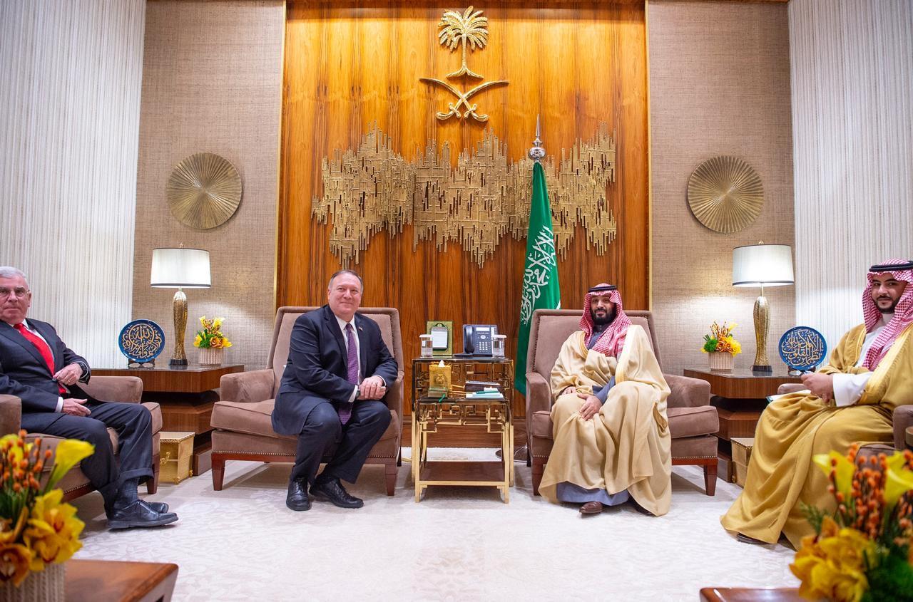 ولي العهد السعودي، الأمير محمد بن سلمان، ووزير الخارجية الأمريكي، مايك بومبيو