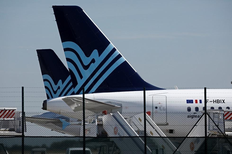فرنسا تغلق مطار