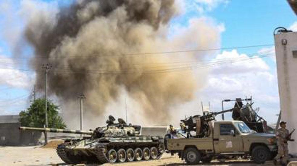 احتدام المعارك في ليبيا رغم اختراق كورونا للبلاد