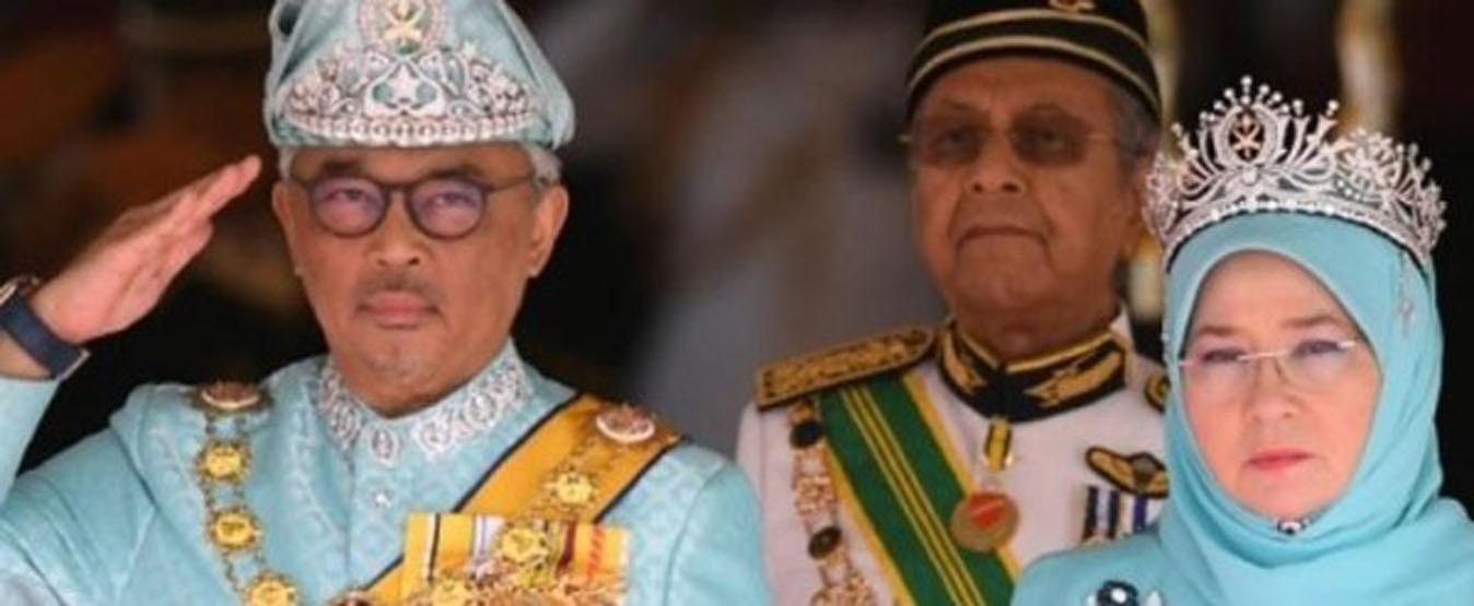 وضع ملك وملكة ماليزيا في الحجر الصحي بعد اختراق كورونا البلاط الملكي