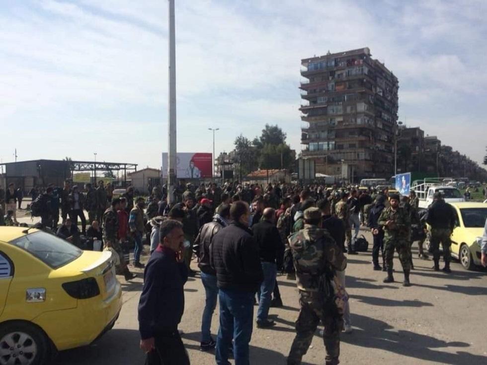 سوريا .. بعد انتقادات أثارتها صور تجمع عسكريين.. الحكومة تشكل لجنة تحقيق