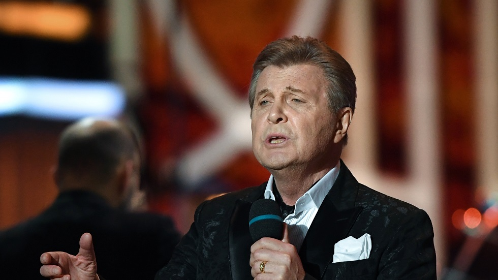 فيروس كورونا يصيب أشهر المغنيين الروس